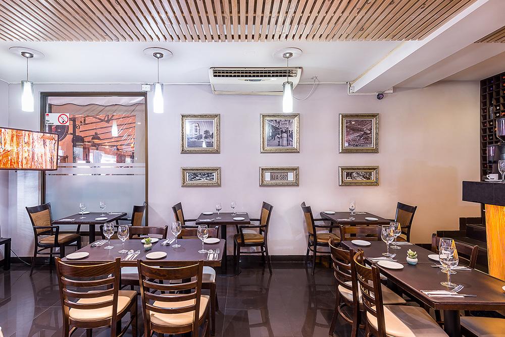 Plaza Del Sol Bar Restaurante Rent A Home Chile